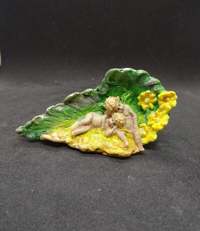 cherubs in a leaf no. 3
